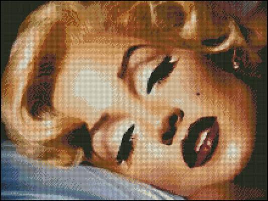 Esquema de Marilyn Monroe en Punto de Cruz (2)